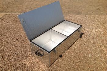 Aluminium cooler box